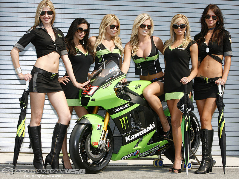 2008-Kawasaki-motogp-girl-9.jpg
