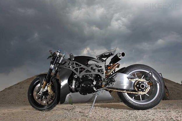 custom-ducati-monster-carbon_fiber_strange_frame.jpg