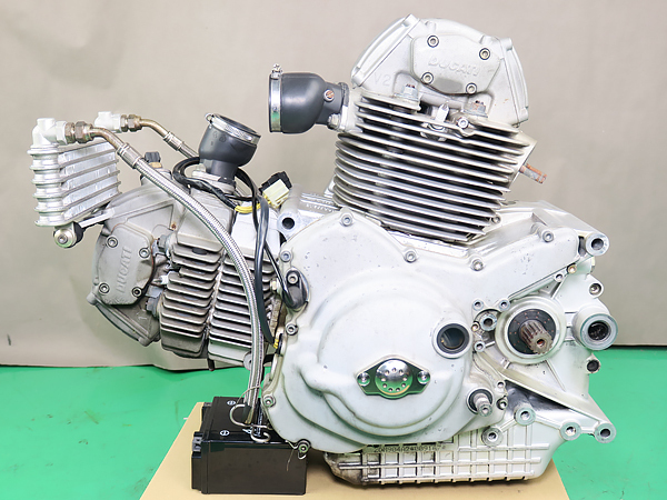 Donor 900ss ie engine 2.jpg