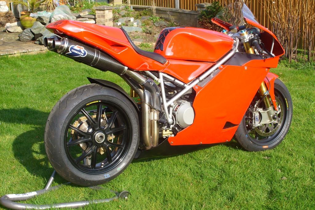 Ducati 998 panels 002.jpg
