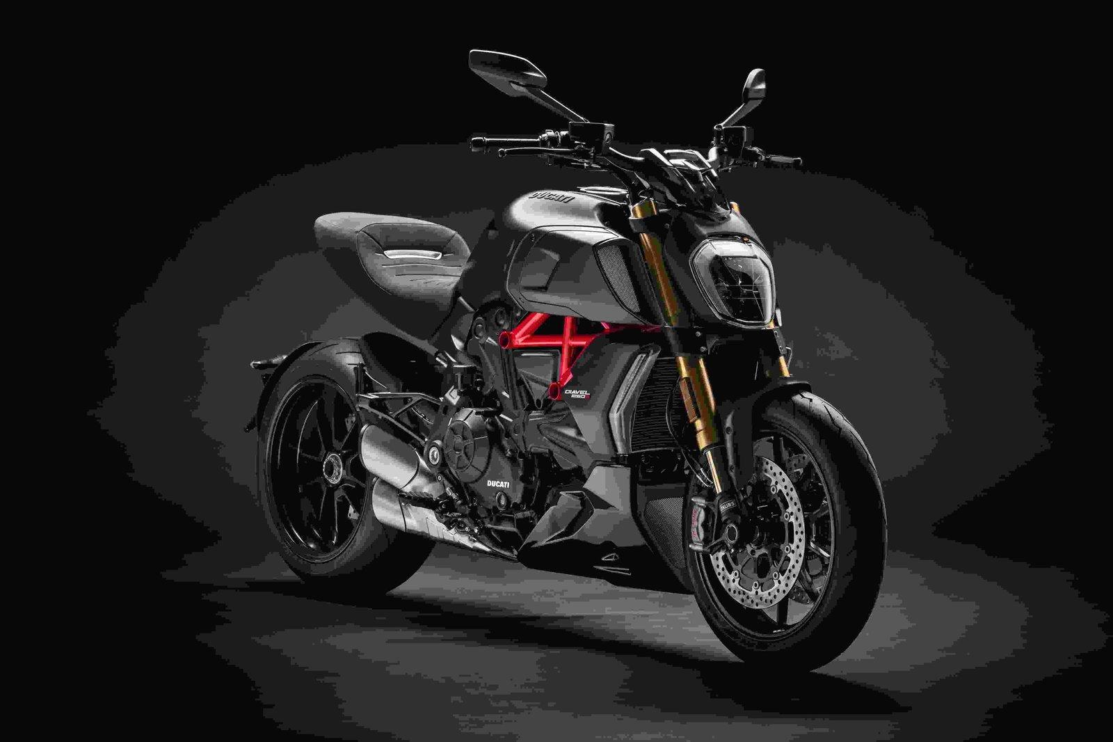 Ducati ad EICMA 2018 (5).jpg