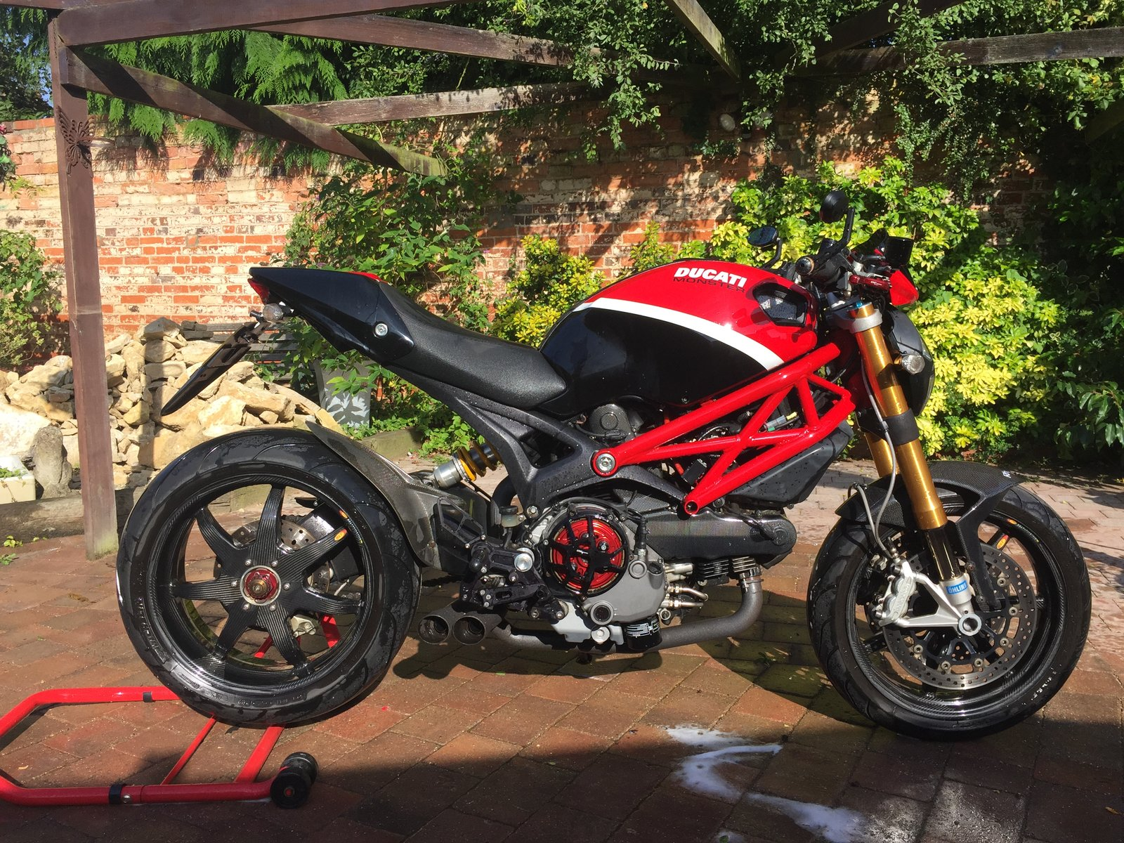 for sale ducati monster 1100s lightest in uk ducati forum. Black Bedroom Furniture Sets. Home Design Ideas