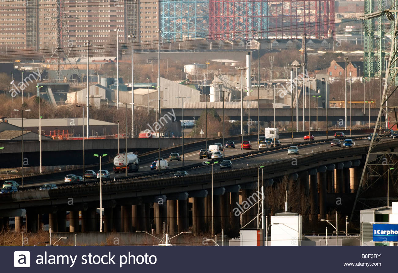 industrial-view-of-birmingham-city-centre-viewed-with-the-m6-motorway-B8F3RY.jpg