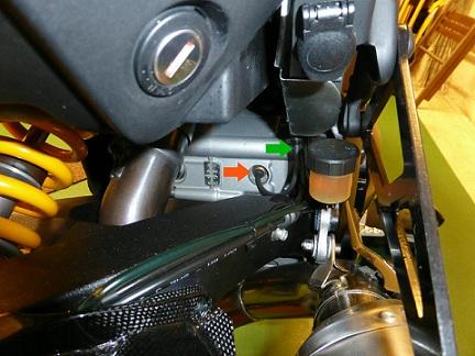 multistrada_1200_gear_position_sensor_switch-L.jpg