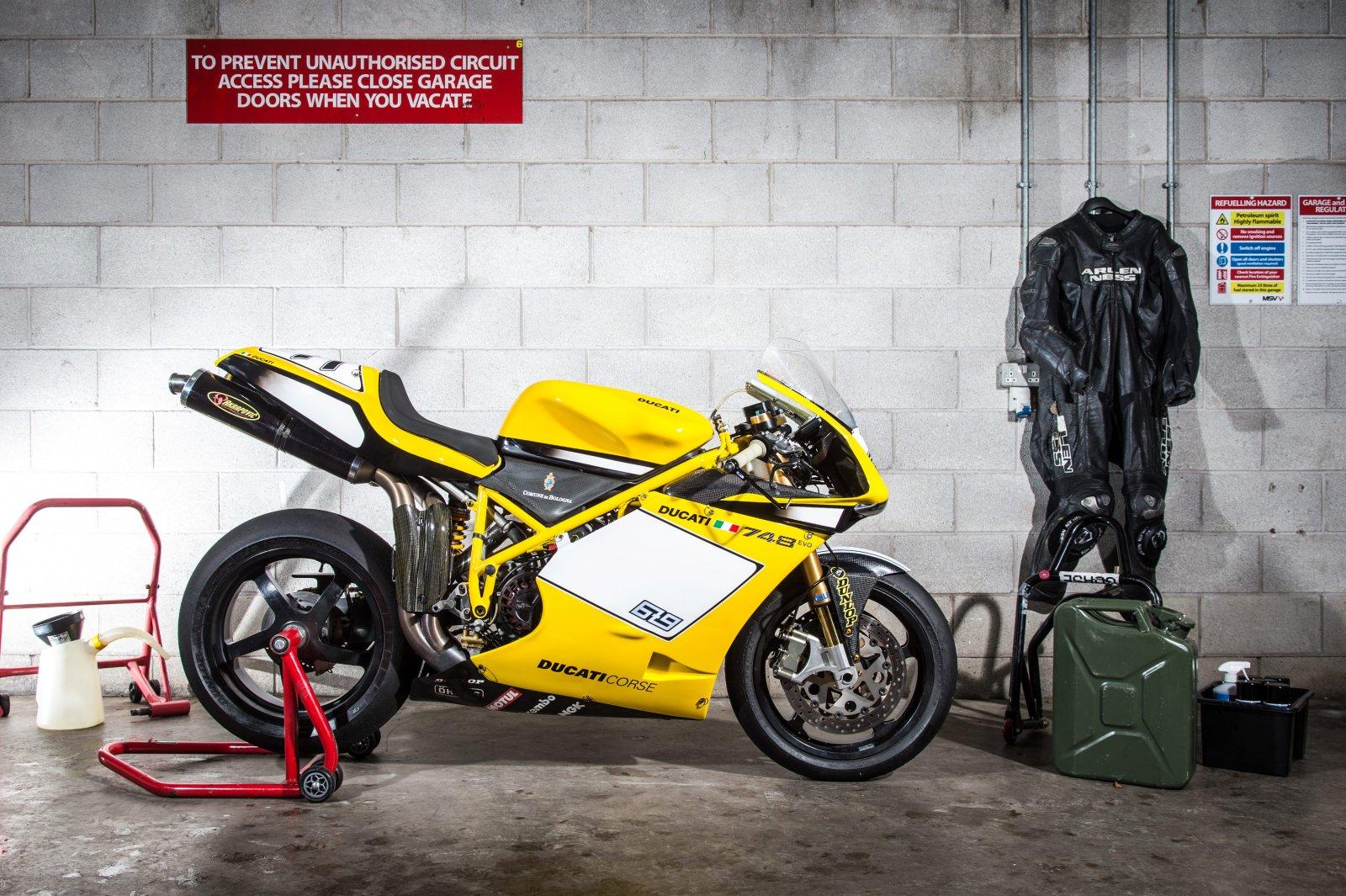 PB Ducati 748 Special-1-min.jpg