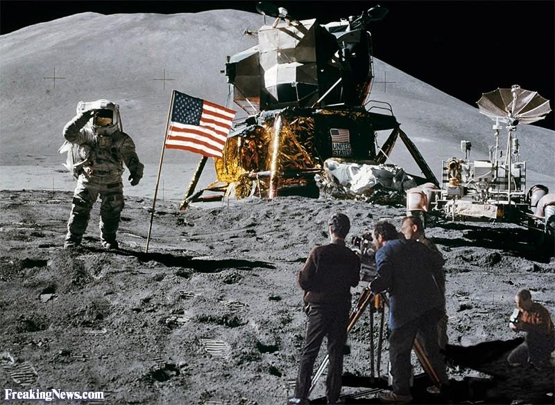 Stanley-Kubrick-filming-Moon-Landing-Hoax--125317.jpg