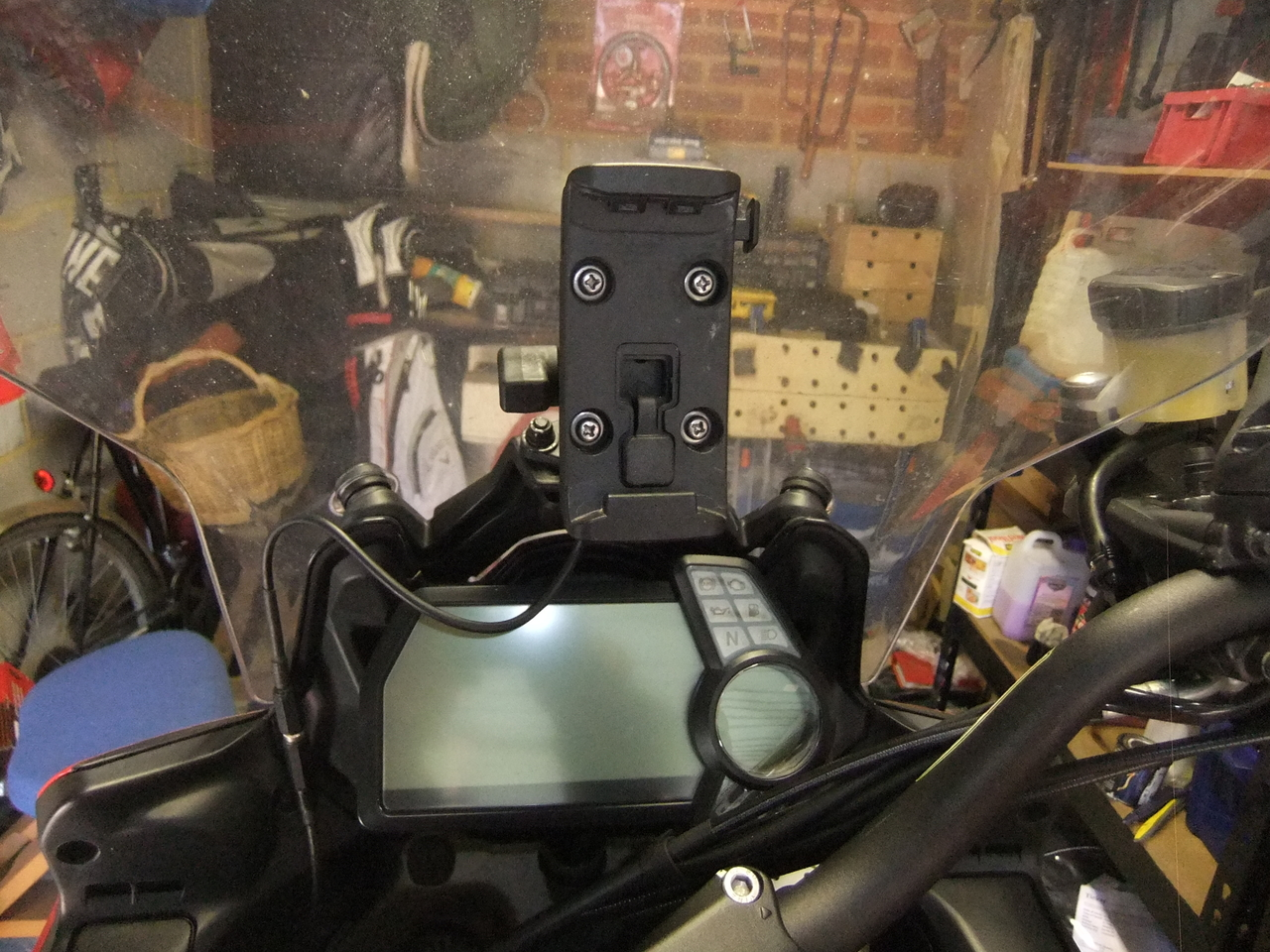 GPS backplate mounted